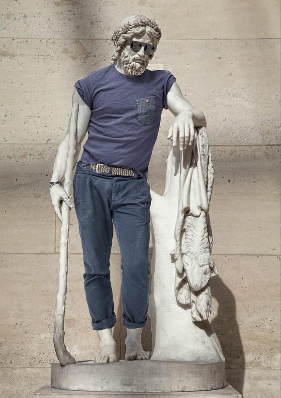 Standbeelden van helden van weleer definiëren de stad. Maar wanneer komt er nou eens eentje bij? Thuismakers Collectief gaat op zoek naar moderne volksverhalen en buurthelden die het verdienen vereeuwigd te worden.